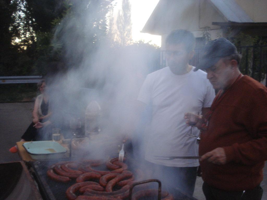 Cena con los vecinos de las Villa Manantial y Don Sebastian. Febrero,2013